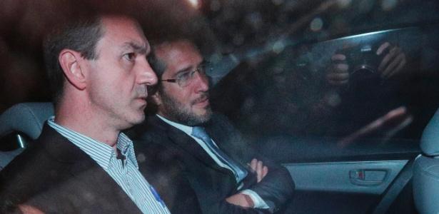 10.mar.2018 - O executivo da JBS Joesley Batista deixou a carceragem da Polícia Federal, em São Paulo, acompanhado por seus advogados, na noite de sexta-feira (9)