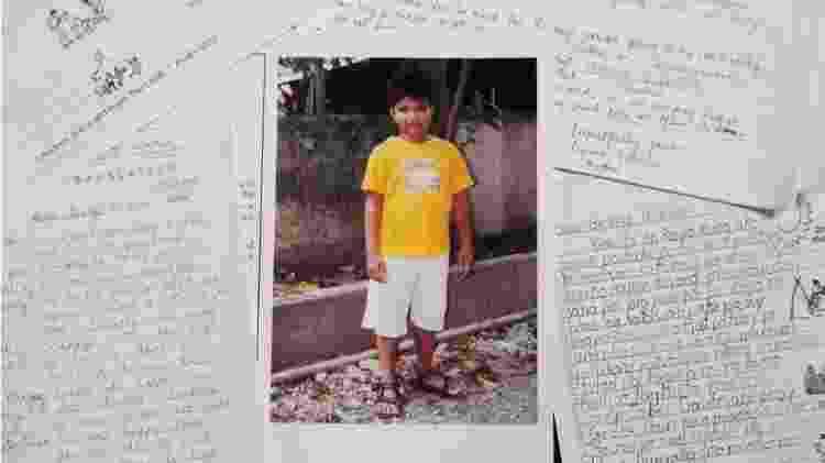 George H. W. Bush trocou cartas com um menino filipino, Timothy, por 10 anos  - BBC - BBC