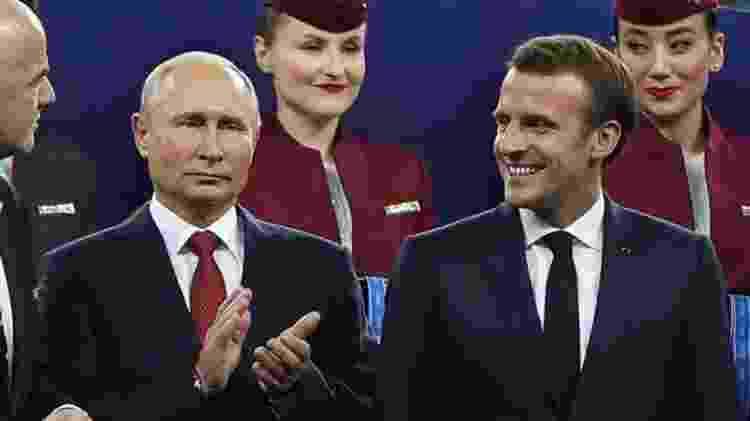 Os presidentes russo Vladimir Putin e francês Emmanuel Macron na final da Copa do Mundo de 2018 na Rússia - Getty Images - Getty Images