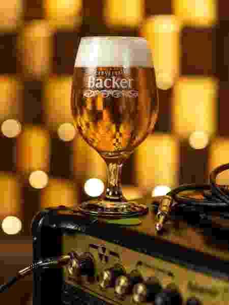 Copo de cerveja da cervejaria Backer - Divulgação/Backer