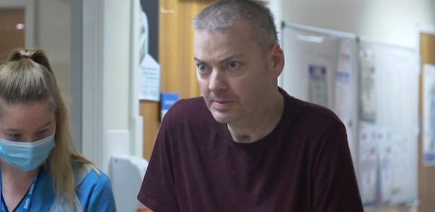 'Não seja blasé com a covid-19', diz piloto que ficou 2 meses em coma e perdeu movimento das pernas – UOL Notícias