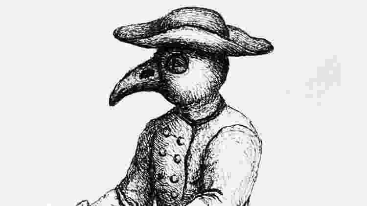 """A parte semelhante a um bico da máscara usada durante a peste negra foi recheada com ervas aromáticas para neutralizar """"miasmas"""" prejudiciais - Getty Images - Getty Images"""