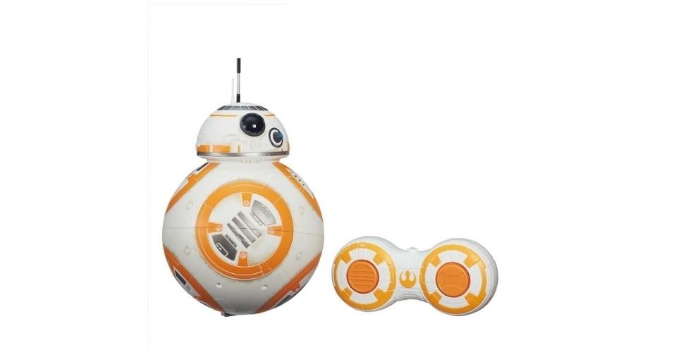 Robô BB8, da Hasbro, movido por controle remoto. Sai por R$ R$ 299,99 no site da PBKIDS