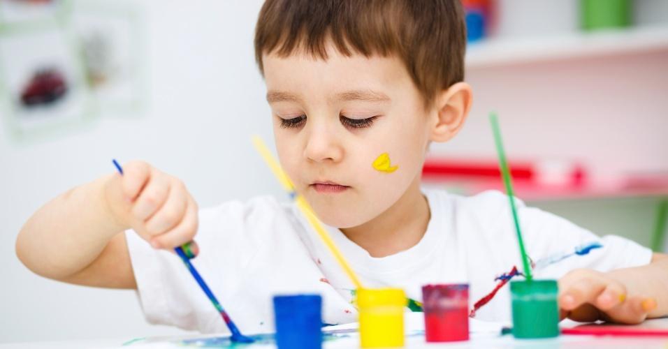 Material escolar; volta às aulas; tinta; tinta guache; guache; pintura
