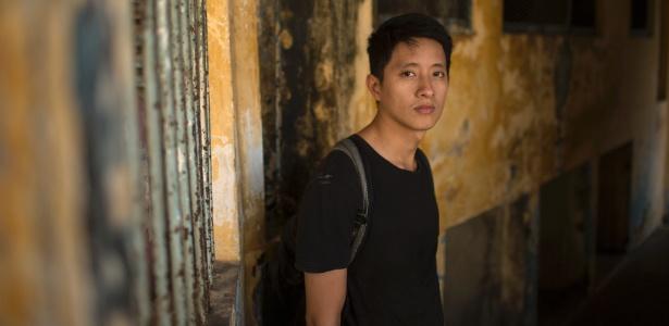 Nguyen Thanh Viet, designer e planejador urbano, em prédio da rua Catinat, em Ho Chi Minh, no Vietnã