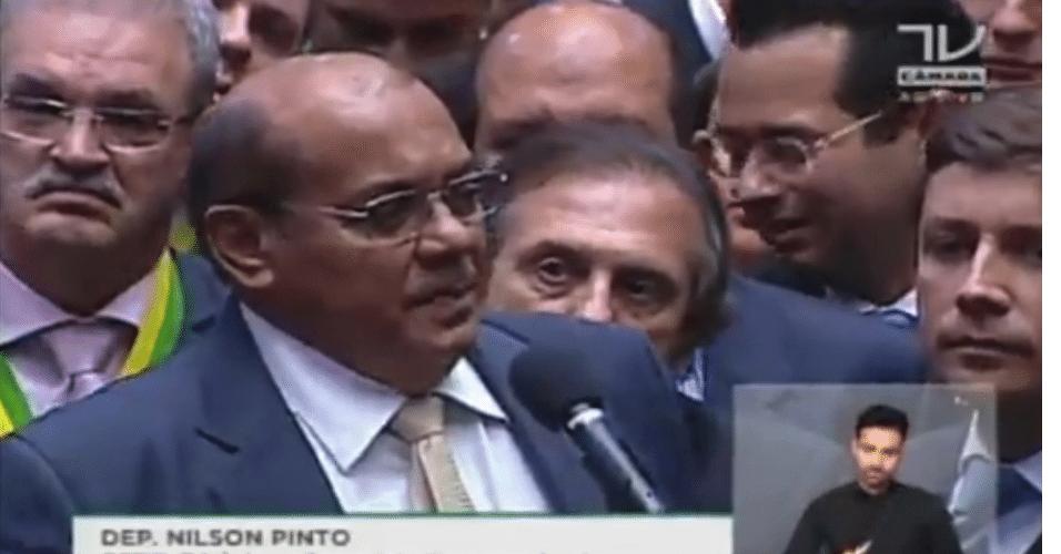O deputado Nilson Pinto (PSDB-PA) votou pela aprovação do processo de impeachment da presidente Dilma Rousseff (PT)