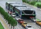O escândalo de fraude por trás de 'superônibus' chinês que trafegaria sobre carros (Foto: BBC)
