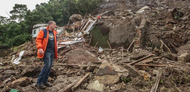 Os municípios com o maior número de pessoas em risco de deslizamento, inundação e enxurrada são Salvador, São Paulo e Rio - Márcio Mercante/Agência O Dia/Estadão Conteúdo