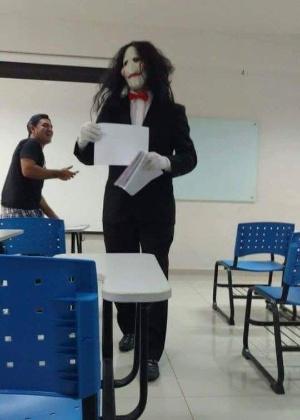 Professor fantasiado de Jigsaw