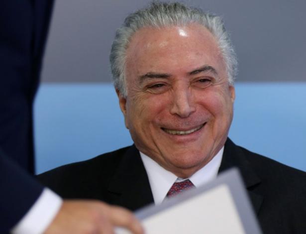 Presidente Michel Temer em cerimônia no Palácio do Planalto nesta quinta-feira (27)