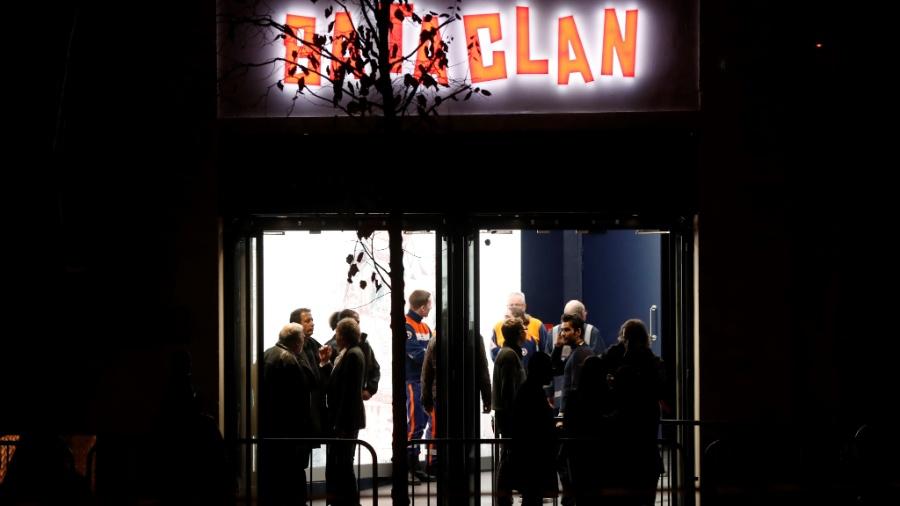 12.nov.2016 - Imagem de arquivo mostra entrada da casa de show Bataclan, em Paris, antes da reabertura do local para marcar o primeiro aniversário dos atentados de 13 de novembro de 2015 - François Guillot/ AFP