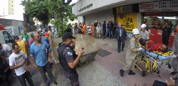 21.fev.2018 - Área é isolada, e suspeito baleado é atendido após tentativa de assalto e tiroteio em Botafogo, zona sul do Rio - ALESSANDRO BUZAS/FUTURA PRESS/FUTURA PRESS/ESTADÃO CONTEÚDO