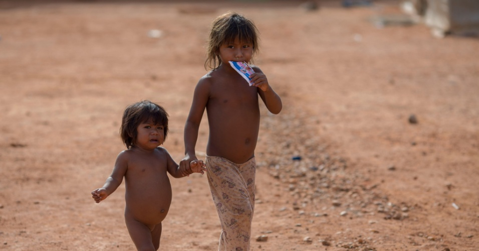24.fev.2018 - Crianças venezuelanas em um abrigo em Boa Vista, Roraima