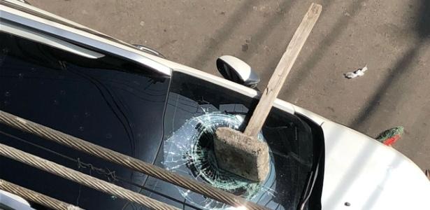 Morador diz que militares destruíram carro em busca de drogas no Complexo da Maré - Redes da Maré/Reprodução