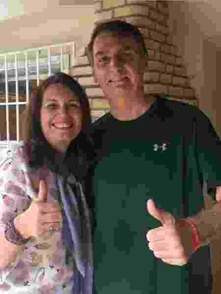 Bia Kicis ao lado de Jair Bolsonaro durante campanha de 2018 - Facebook/Bia Kicis