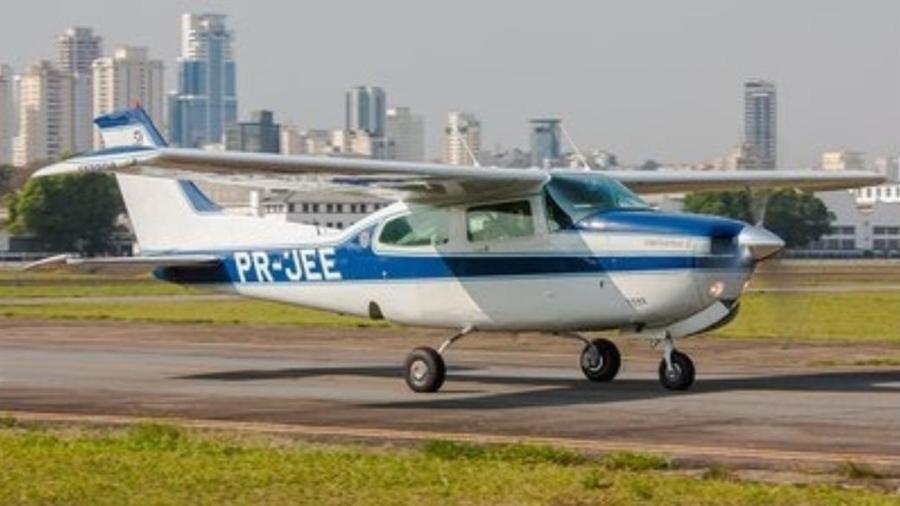 Aeronave prefixo PR-JEE que caiu nesta sexta-feira logo após decolar do Campo de Marte - Arquivo pessoal