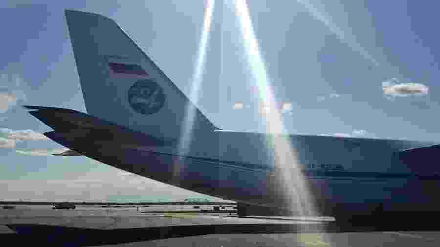 Avião russo com ajuda humanitária chega aos EUA - TASS\TASS via Getty Images