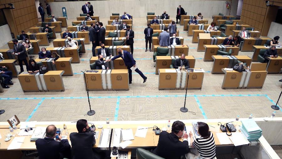 Deputados durante votação que aprovou pacotaço fiscal de Doria - Alesp/Divulgação