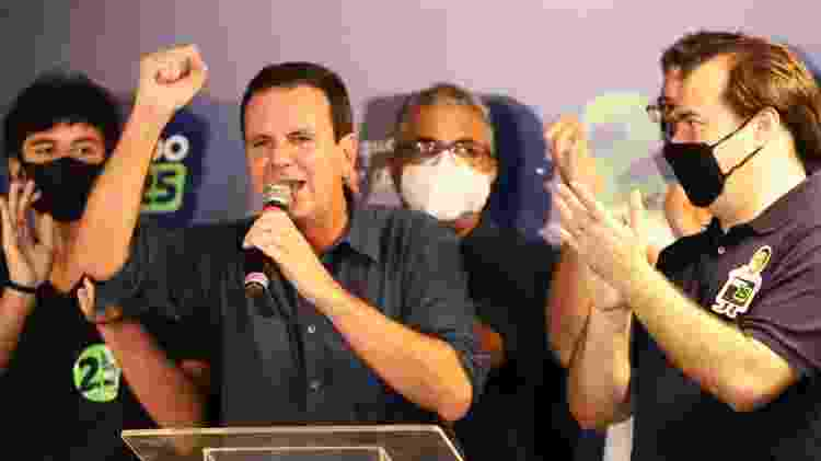 29.nov.2020 - O prefeito eleito do Rio de Janeiro (RJ), Eduardo Paes (DEM), faz seu discurso no Hotel Nacional em São Conrado, na capital fluminense, neste domingo (29), acompanhado do presidente da Câmara dos Deputados, Rodrigo Maia. - CAIO BASILIO/FUTURA PRESS/ESTADÃO CONTEÚDO - CAIO BASILIO/FUTURA PRESS/ESTADÃO CONTEÚDO