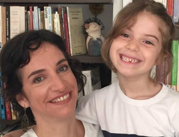 """A funcionária pública carioca Julia Sant""""Anna tomou a decisão de tirar a filha de uma escola particular para colocá-la em uma pública - Arquivo pessoal"""
