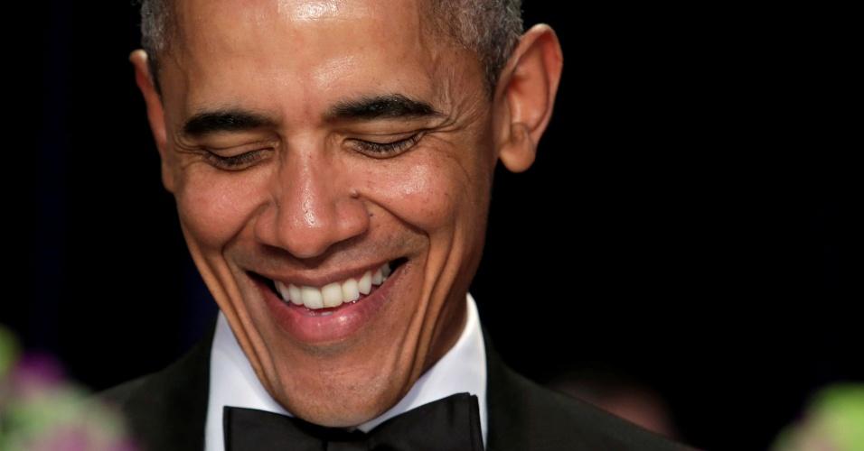 30.abr.2016 - O presidente dos EUA, Barack Obama, participa do jantar anual da Associação dos Correspondentes da Casa Branca