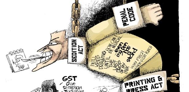 Charge de Zunar de uma pessoa acorrentada com a Lei da Sedição em volta do pescoço e o Código Penal como algemas