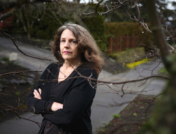 Kimberly Knutsen tem três filhos com Curtis Dawkins, o preso que publicou um livro nos EUA - Leah Nash/The New York Times