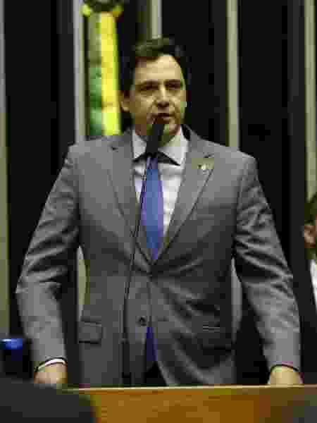 O deputado Luiz Philippe de Orléans e Bragança (PSL-SP) discursa na Câmara - Pedro Ladeira/Folhapress