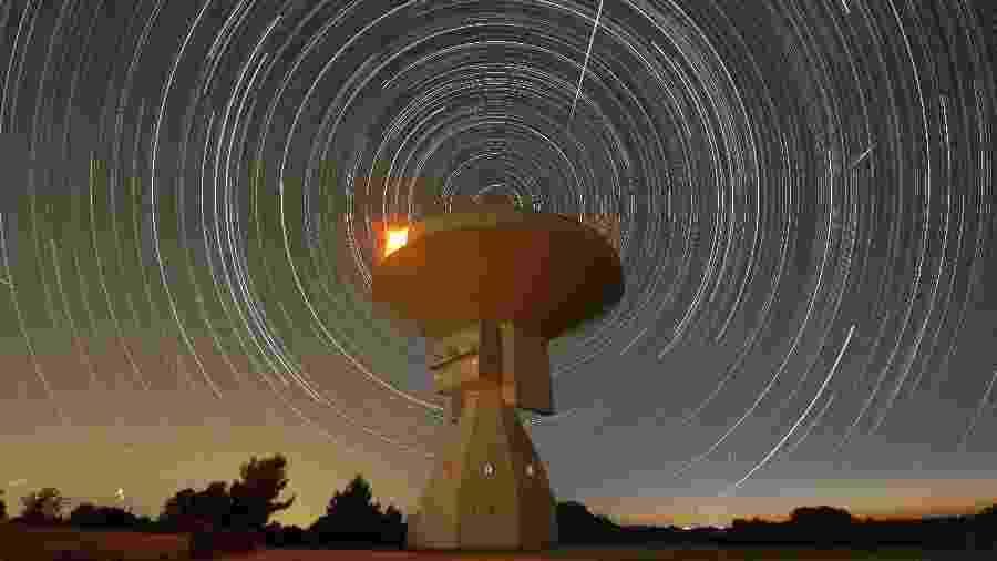Mistérios do Universo podem ser esclarecidos com auxílio de instrumentos como radiotelescópio - Getty Images/iStockphoto