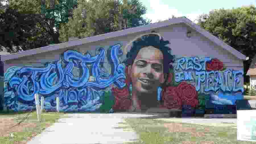 Mural em Omaha homenagem a James Scurlock, manifestante do Black Lives Matter morto a tiros - Reprodução/Twitter