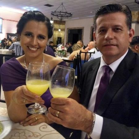 Noemi Filipini ao lado do marido, o sargento Cléber Alves da Silva, que morreu em abril de 2020 em decorrência da covid-19 - Arquivo pessoal