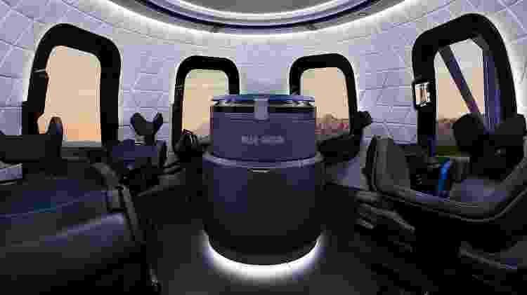 Visão interior da cápsula New Shepard da Blue Origin, que deve levar Jeff Bezos e outras pessoas ao espaço - Divulgação - Divulgação