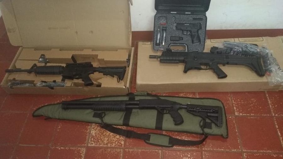 Polícia encontrou quatro armas com investigado por agredir mulher em Campo Formoso (BA). Ele usou identidade falsa para conseguir autorização - Divulgação do Secretaria de Segurança Pública da Bahia