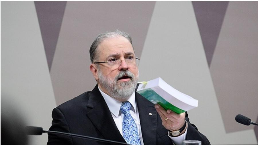 """""""Vamos ouvir algumas pessoas e requisitar documentos"""", disse Aras ao Poder360 - Pedro França/Agência Senado"""
