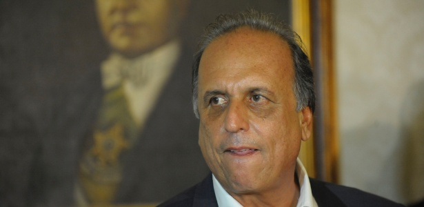 Luiz Fernando Pezão (PMDB) teve as contas do governo estadual rejeitadas pelo TCE-RJ