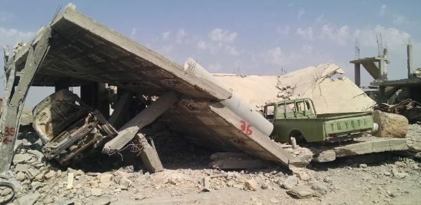 Ruínas de Kobani, no norte da Siria, na fronteira com a Turquia; atacada pelo Estado Islâmico, a cidade foi retomada pelos curdos em janeiro - Patricia Campos Mello/Folhapress