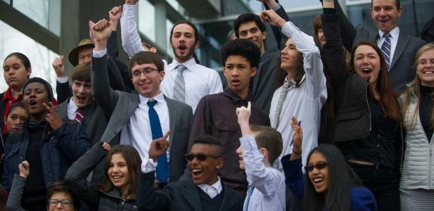 Grupo de jovens com idades entre 9 anos e 19 anos que entrou com processo contra o presidente Barack Obama nos EUA por falhar em seu dever de protegê-los contra o aquecimento global