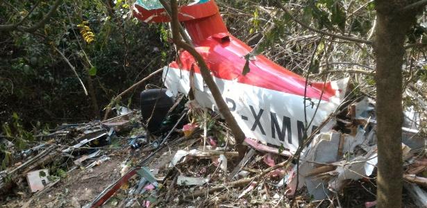 Destroços de avião experimental que caiu no interior de Minas Gerais