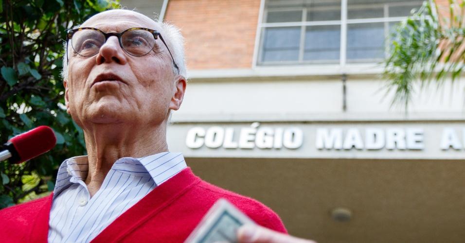 2.out.2016 - O candidato a vereador de São Paulo Eduardo Suplicy (PT) votou no Colégio Madre Alix no Jardim Paulistano, zona oeste de São Paulo, na manhã deste domingo