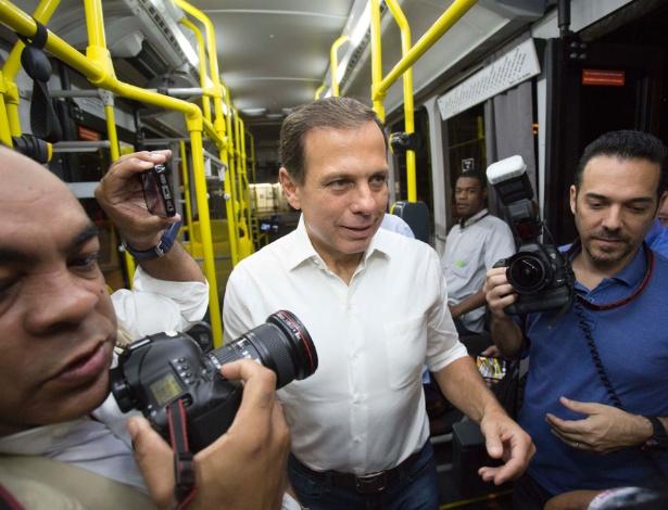 6.fev.2017 - O prefeito de São Paulo, João Dória, visitou o Terminal Capelinha, no Capão Redondo, na zona sul da cidade, na manhã desta segunda-feira