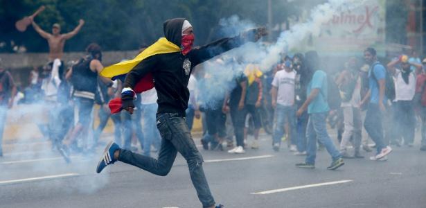 Manifestantes na Venezuela contra o presidente Nicolas Maduro