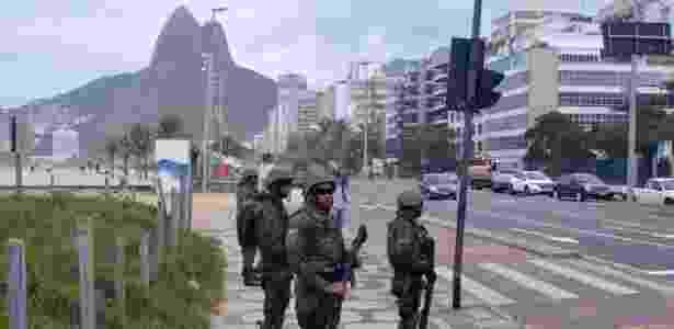 Homens das Forças Armadas ajudam na segurança do Rio - ALESSANDRO BUZAS/FUTURA PRESS/FUTURA PRESS/ESTADÃO CONTEÚDO