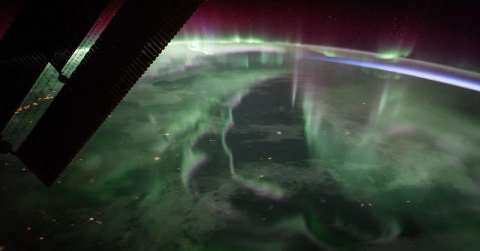 29.set.2017 - Espetacular aurora boreal no Canadá vista da ISS