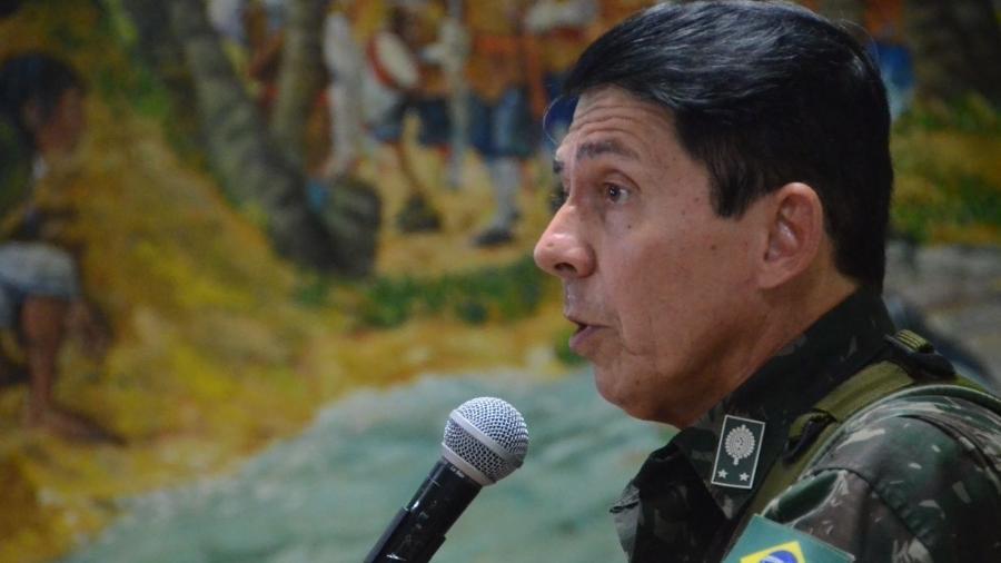 4.jan.2018 - General Ridauto Lúcio Fernandes em reunião no RN - Beto Macário/UOL