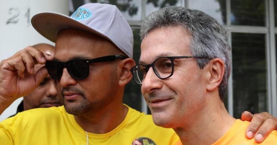 22.out.2018 - Romeu Zema faz campanha em Belo Horizonte