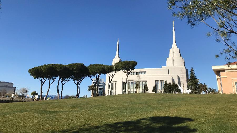 O novo templo da Igreja de Jesus Cristo dos Santos dos Últimos Dias em Roma - Elisabetta Povoledo/The New York Times