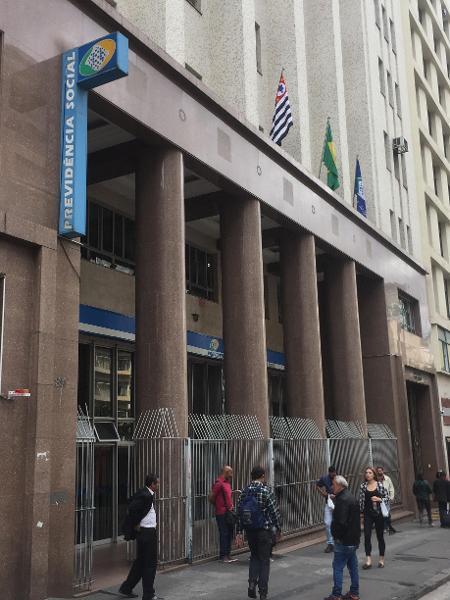 Agência do INSS, no Anhangabaú, em São Paulo - Lucas Borges Teixeira/UOL
