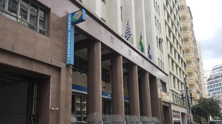 Agência do INSS, no Anhangabaú, região central de São Paulo - Lucas Borges Teixeira/UOL