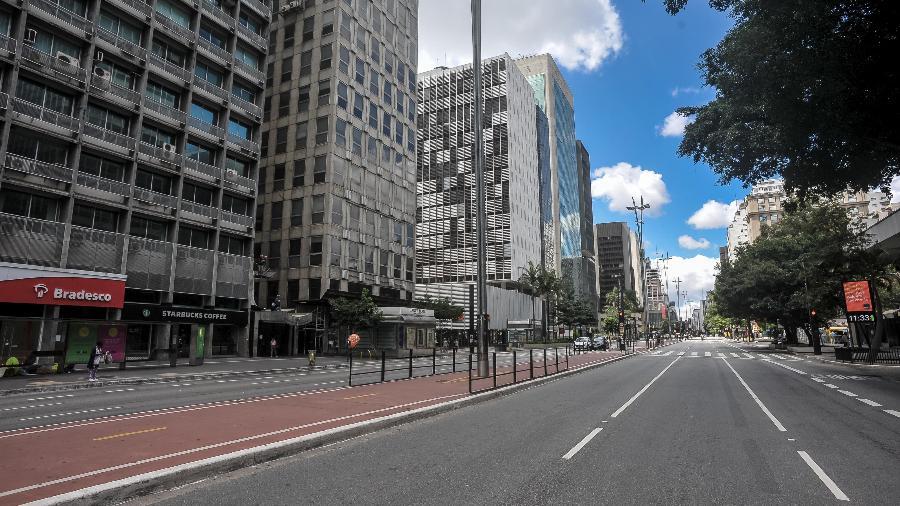 Avenida Paulista fica vazia em função do isolamento social provocado pelo novo coronavírus - Reinaldo Canato / UOL/Reinaldo Canato / UOL)