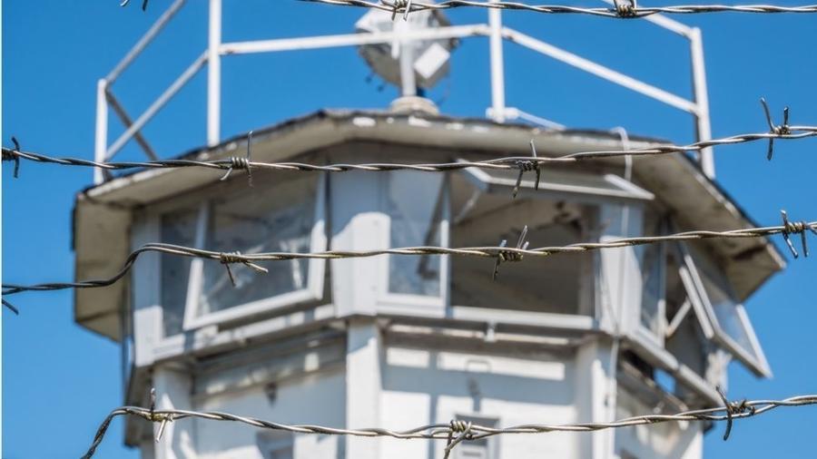 Torre de vigilância da Stasi: polícia secreta era temida na Alemanha Oriental - Getty Images